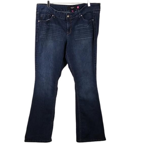 Torrid Bootcut Plus Size Mid-Rise Jean Sz 18